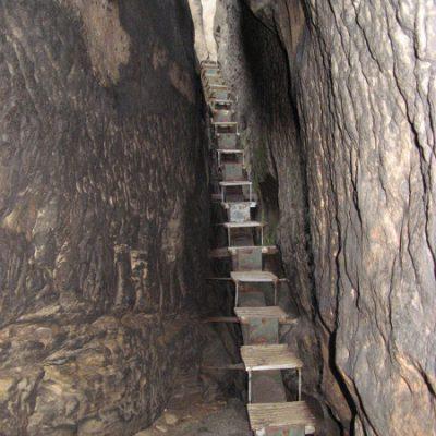 Treppe zum Hinteren Raubschloss