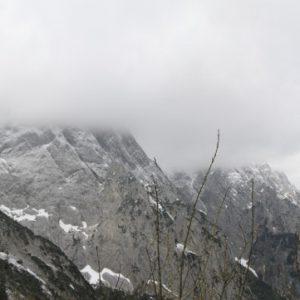 Nebelverhangene Berge