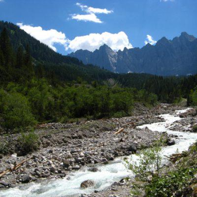 Am Johannesbach entlang ins Karwendel
