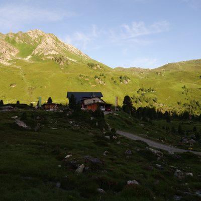 Blick zurück auf die Lizumer Hütte