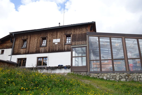 Etappenziel: Tuxer-Joch-Haus