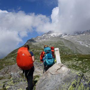 Grenze erreicht: Zu Fuß von Österreich nach Italien