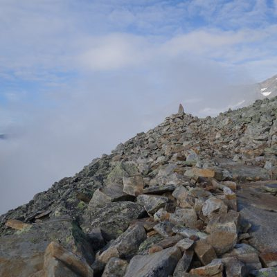 Der Weg führt wie gelegt über die Steine