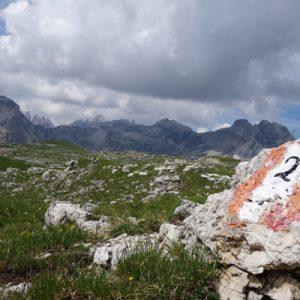 Immer dem Dolomitenhöhenweg 2 folgend