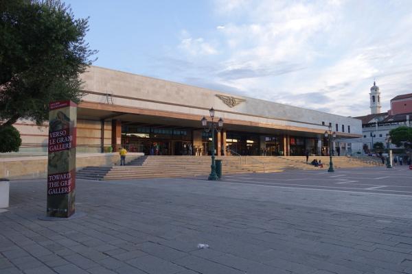 Bahnhof in Venedig