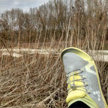Laufen und Wandern mit Barfußschuhen