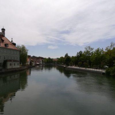 Die Isar prägt das Bild in Landshut