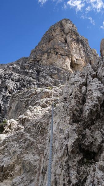 Fels und blauer Himmel